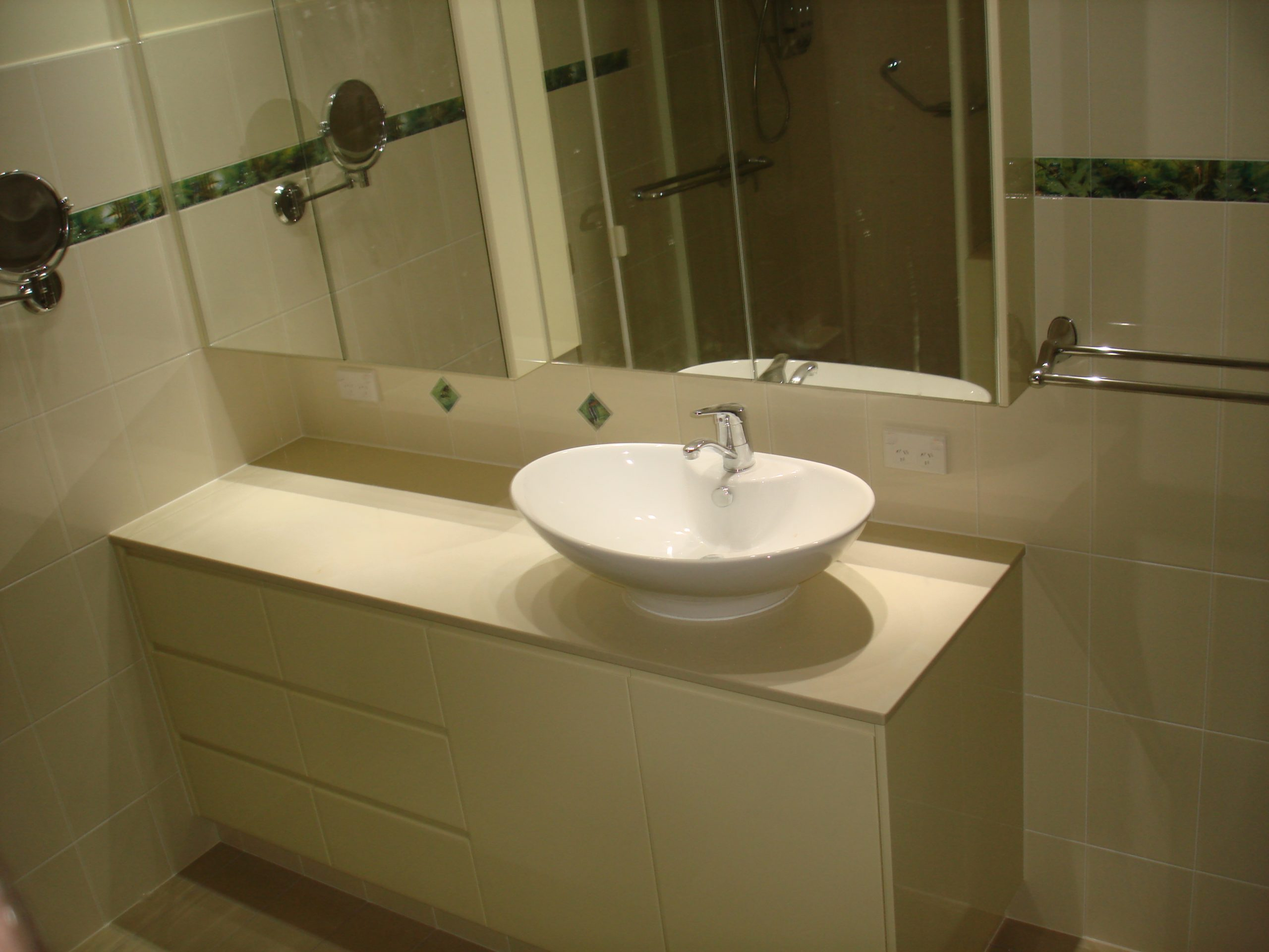 Troy Roberts - PRODUCTS BATHROOM 3RD IMAGE
