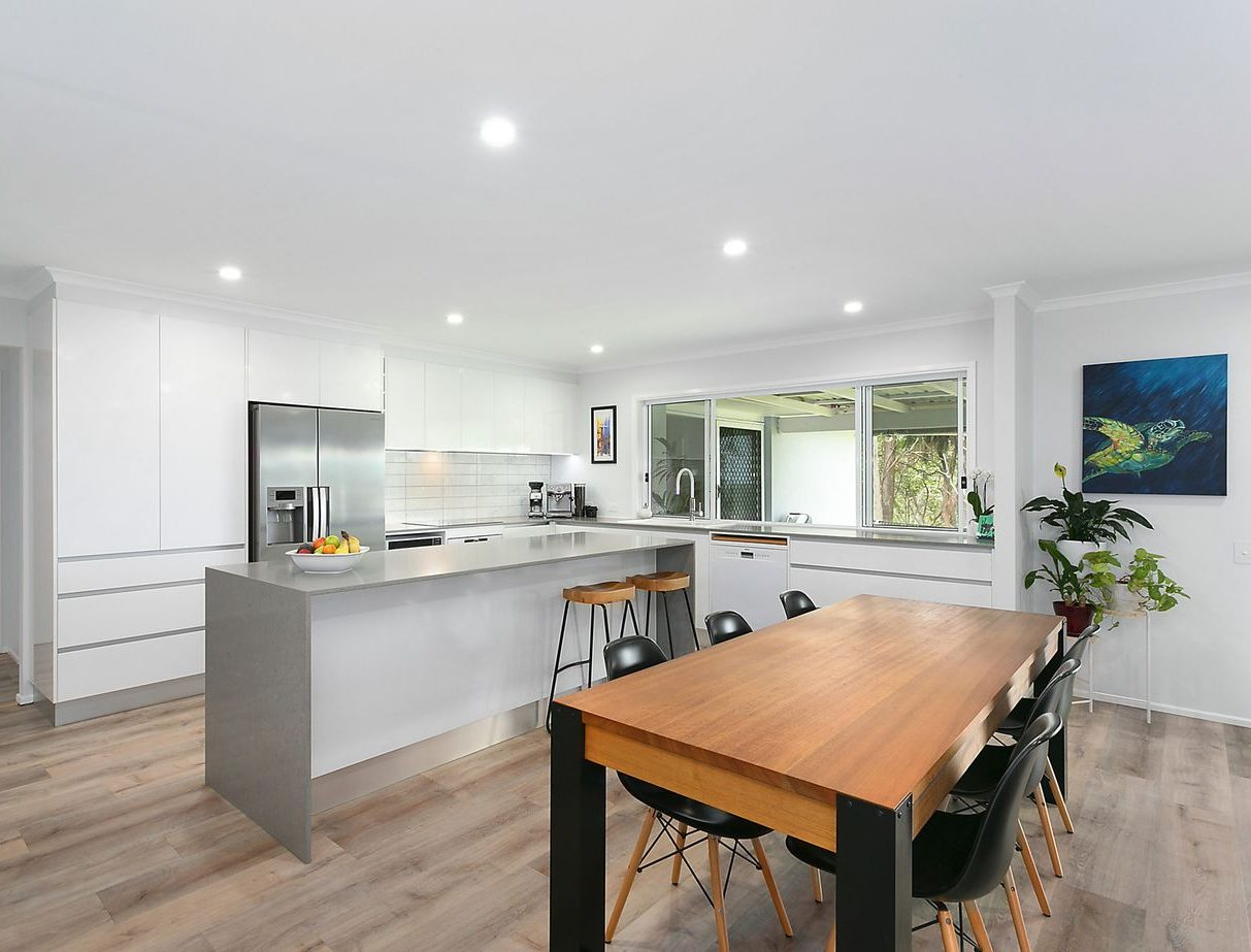 Troy Roberts - PRODUCTS FULL HOUSE FIT OUT BENEFIT FROM SEAMLESS QUALITY AND STYLE