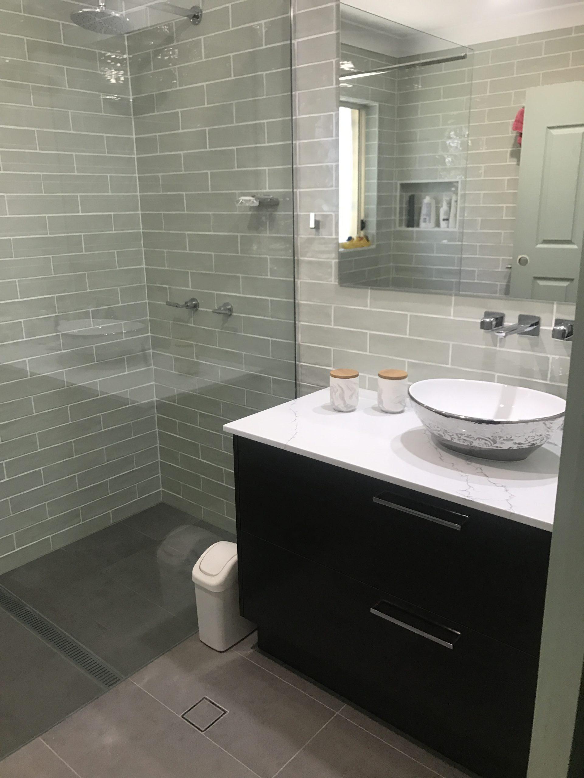 Troy Roberts - bathrooms image